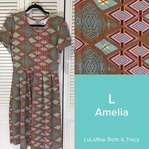 NWT LulaRoe Amelia dress, L